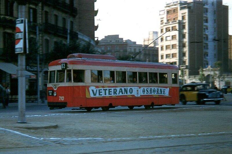 Источник.  Городской транспорт Барселоны.  1956 год.