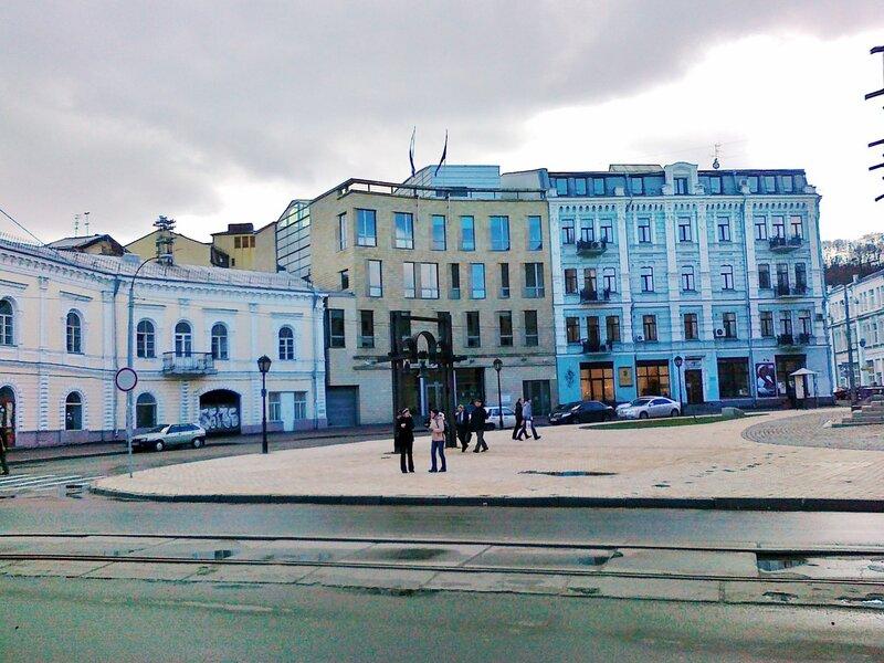 киев контрактовая площадь