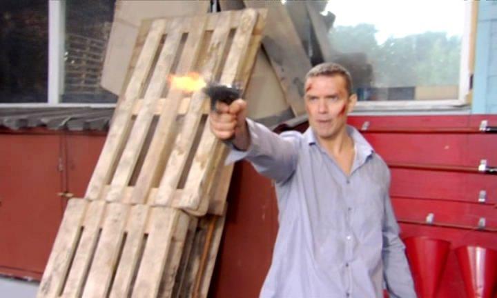 Человек ниоткуда (2010) DVDRip + DVD5. Скриншот №13