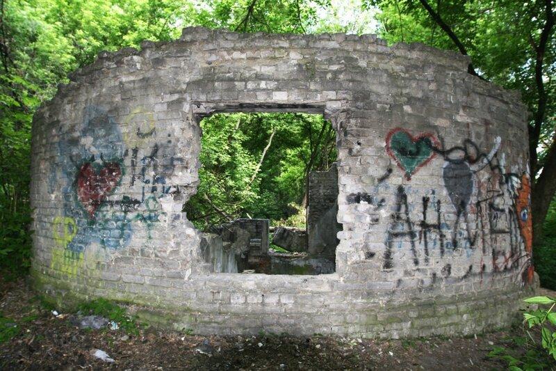 Руина насосной станции карантина ВДНХ
