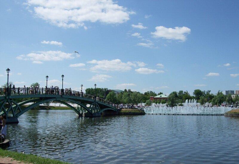 Мост через средний Царицынский пруд