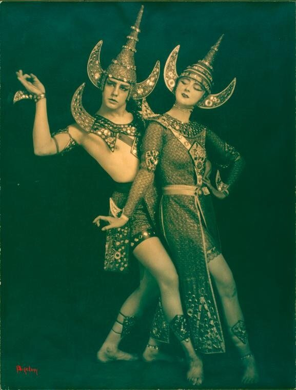 Ruth-St.-Denis-and-Ted-Shawn-in-The-Abduction-of-Sita. 1918