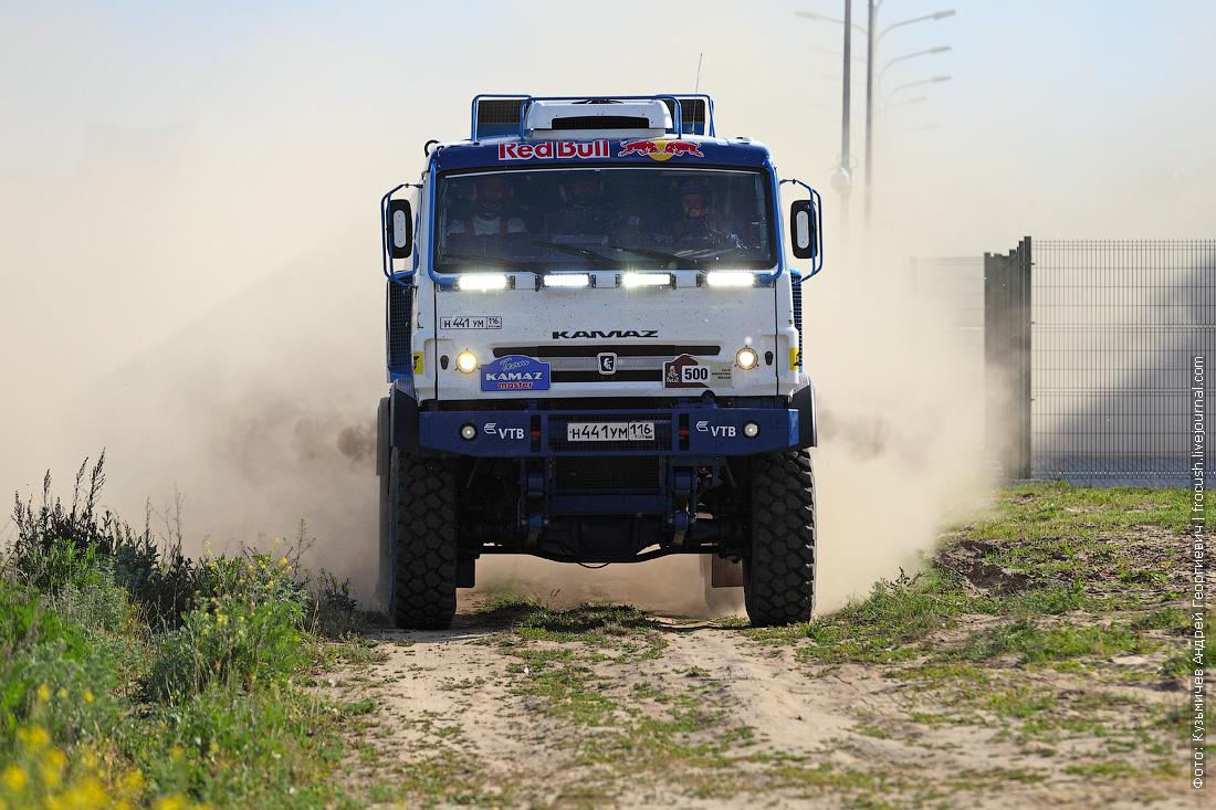 боевой грузовик команды КАМАЗ-мастер фото