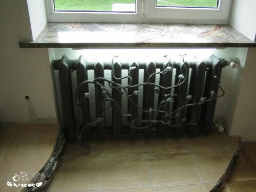011. холл, радиаторы с подсветкой и элементами ковки