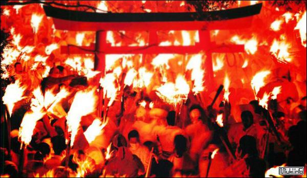 Ото Мацури - фестиваль огня в Сингу
