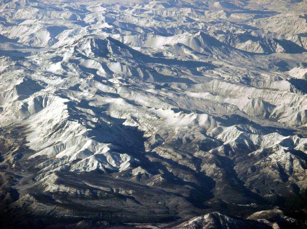 Фиолетовая гора Название Цзыцзиньшань переводится как «пурпурная гора» (в некоторых источниках