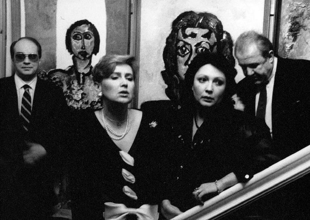 Музы в саду усадьбы Останкино, 1985