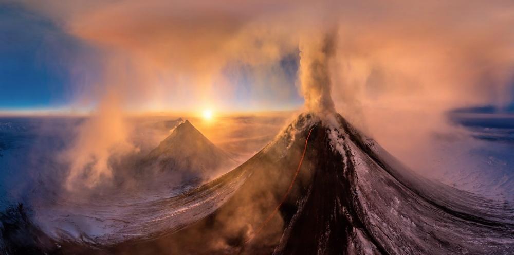 Извержение вулкана Ключевская сопка , Дмитрий Моисеенко.