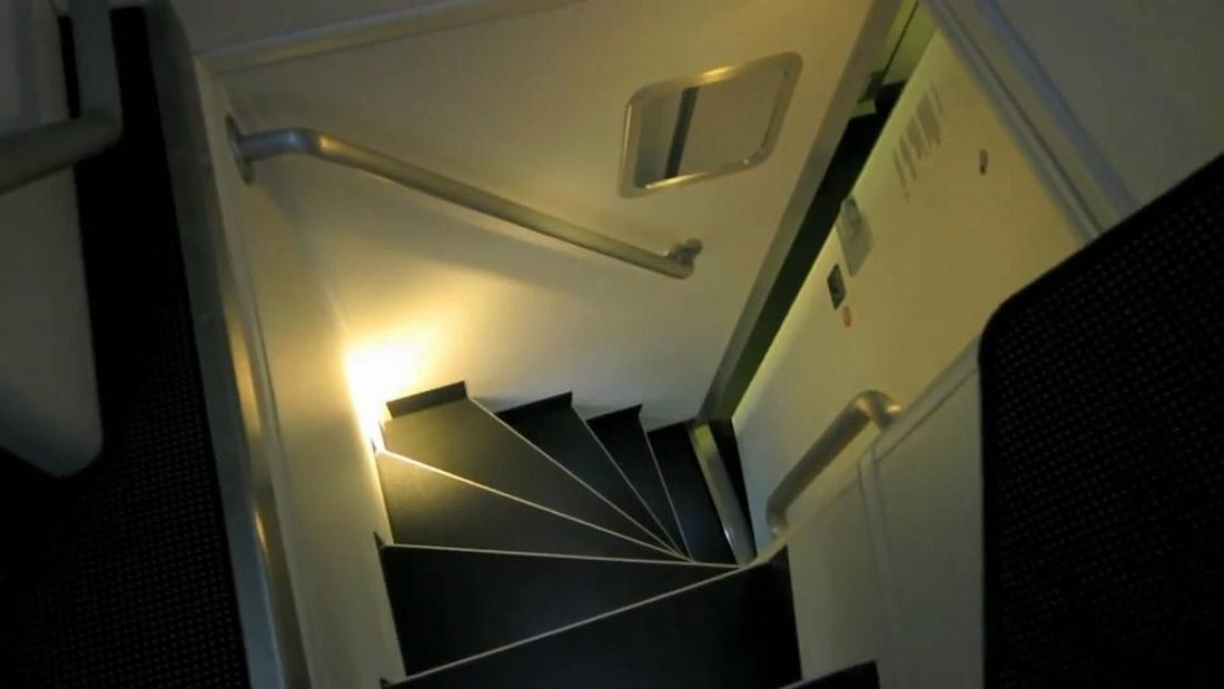 17. Вид с лестницы.