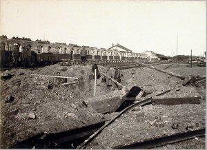 Солдаты бригады у разрушенной станции.