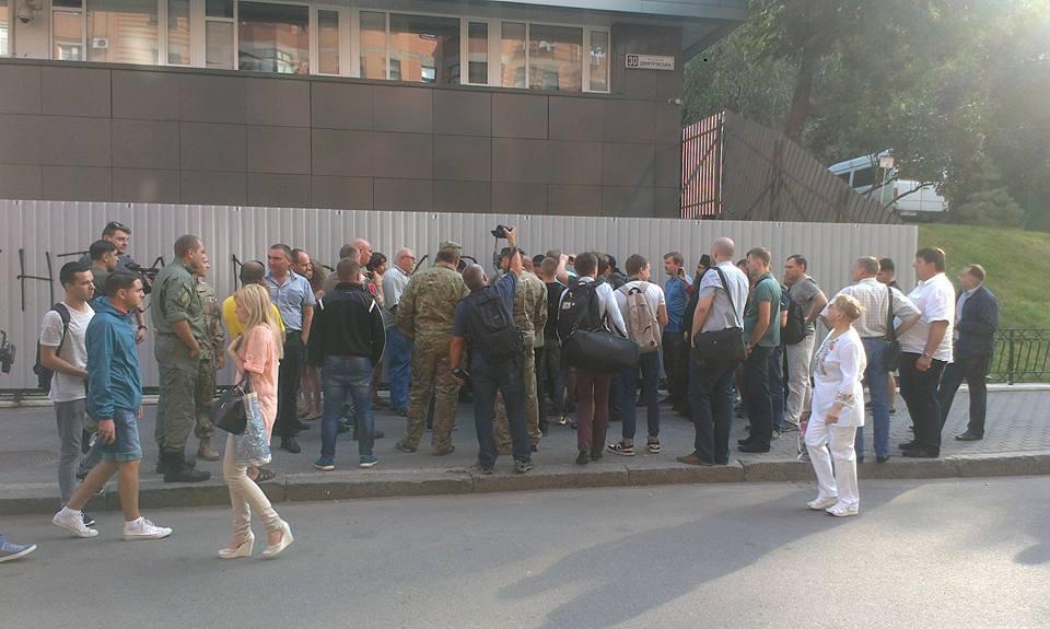 Пожар на«Интере»: канал попросил Порошенко вмешаться вситуацию снападением
