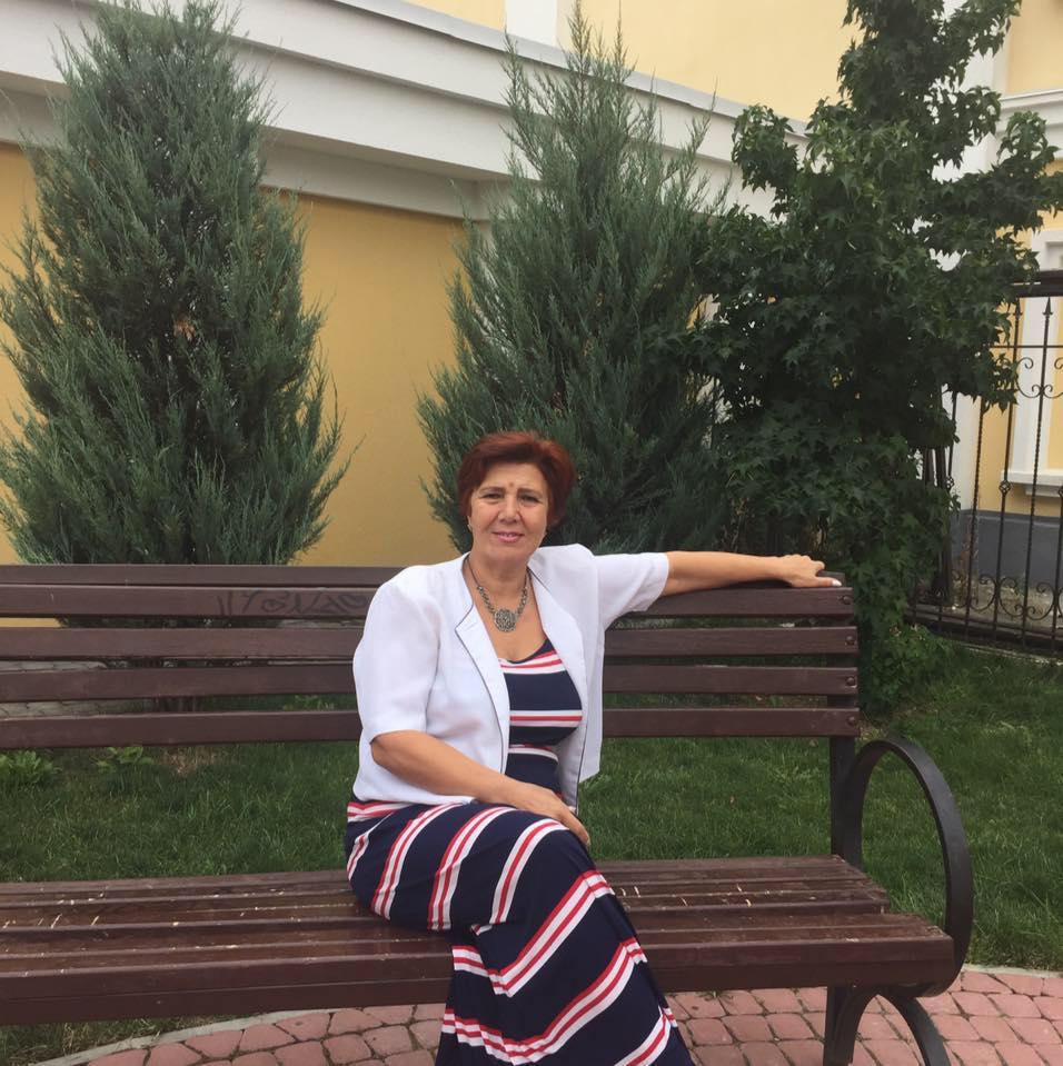ВСимферополе укрымской татарки, чьи сыновья ведут войну вАТО, провели обыски