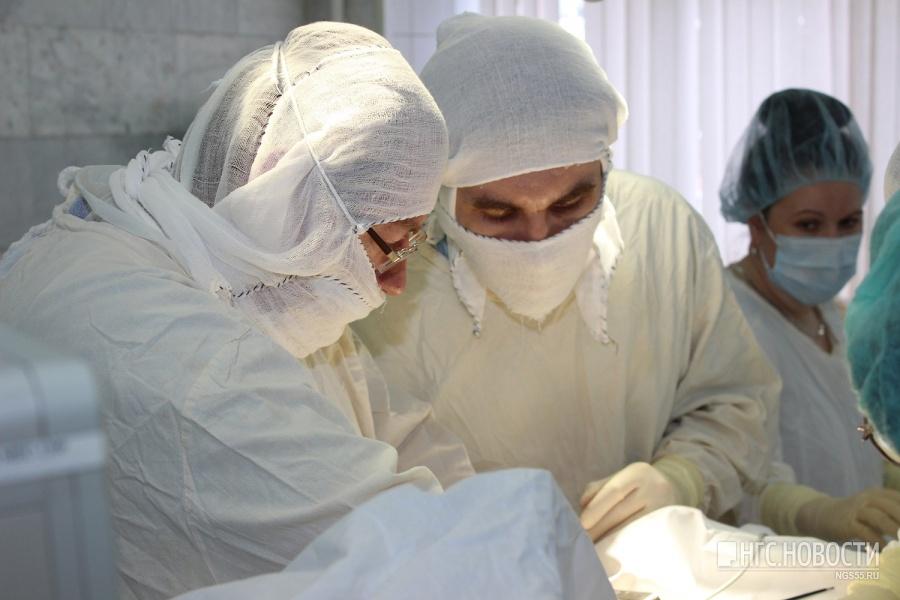 Омичке «бескровно» ибез ненужных разрезов прооперировали пищевод