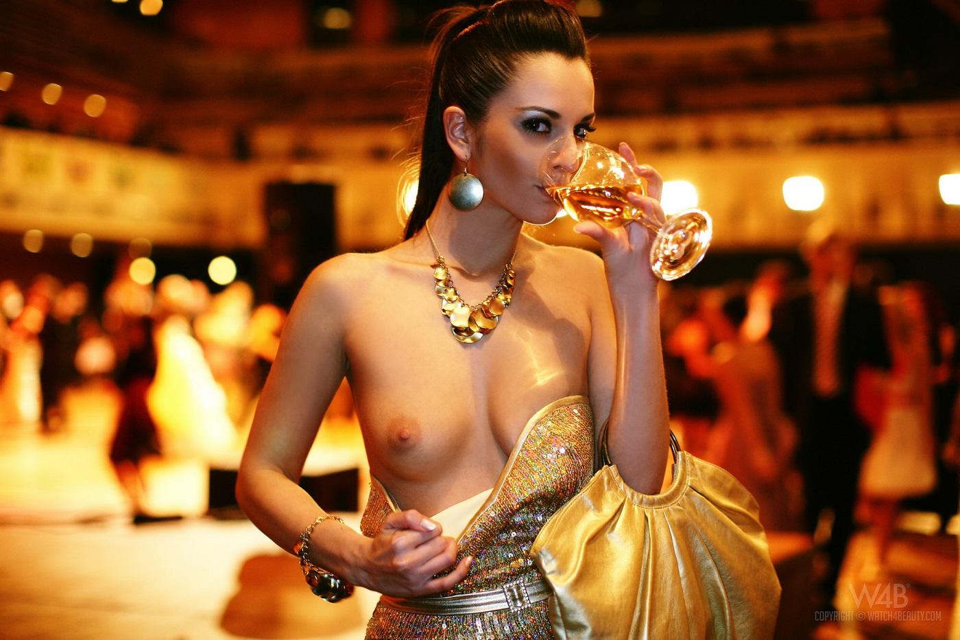 Эротика в платьях, Порно В красивом белье -видео. Смотреть порно 8 фотография