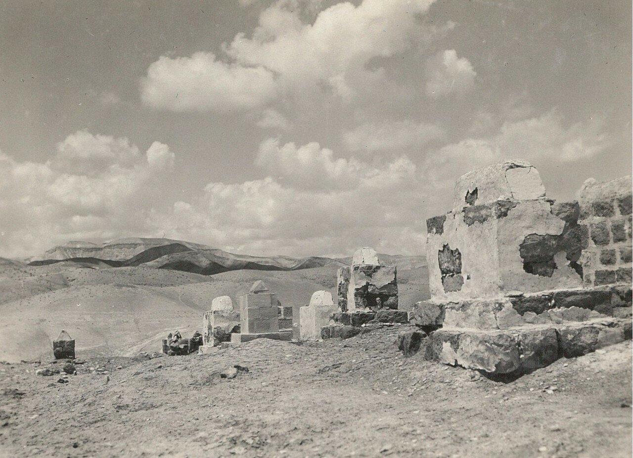 Иудейская пустыня. Гробницы