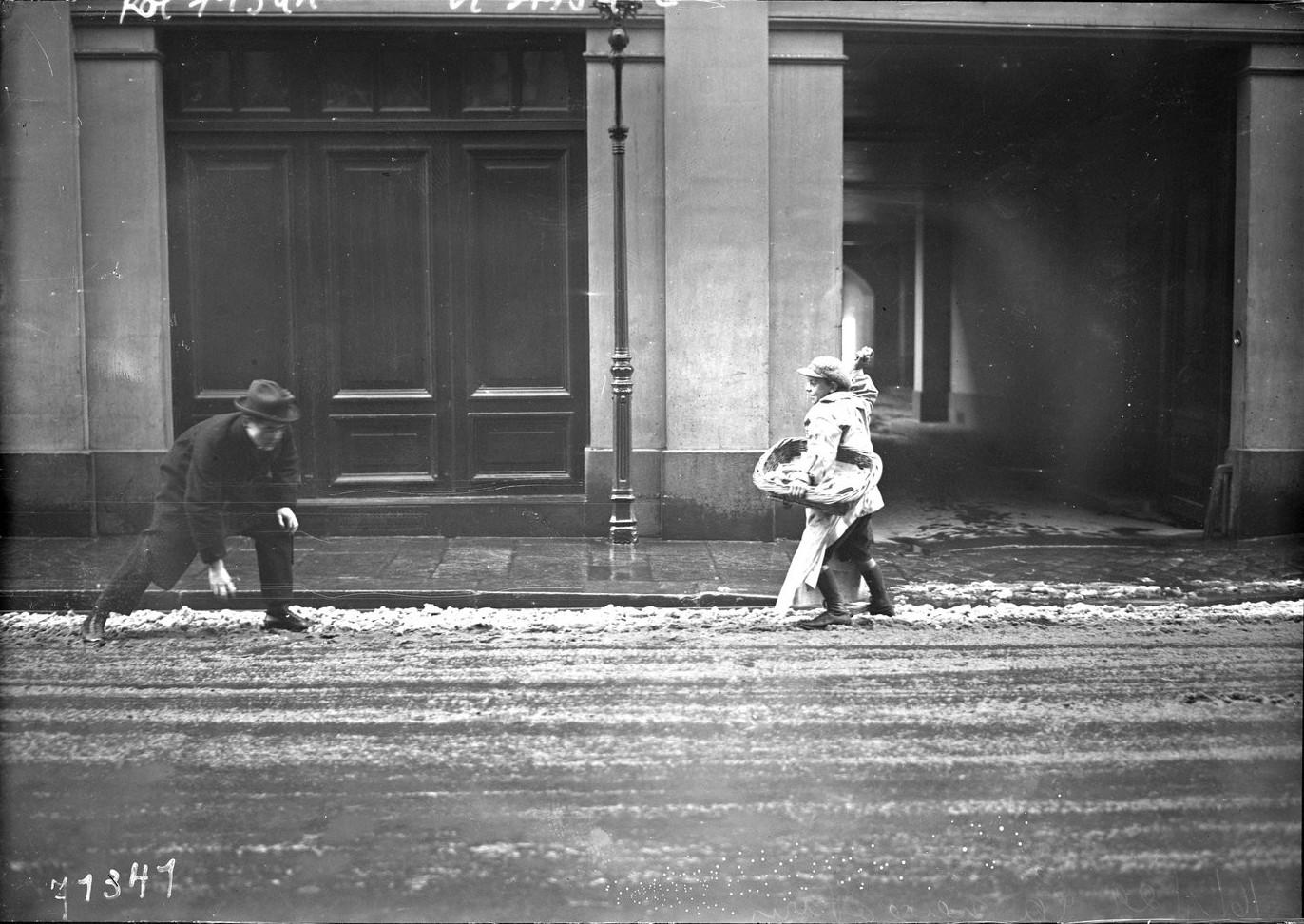 1922. Уличная сцена в январе