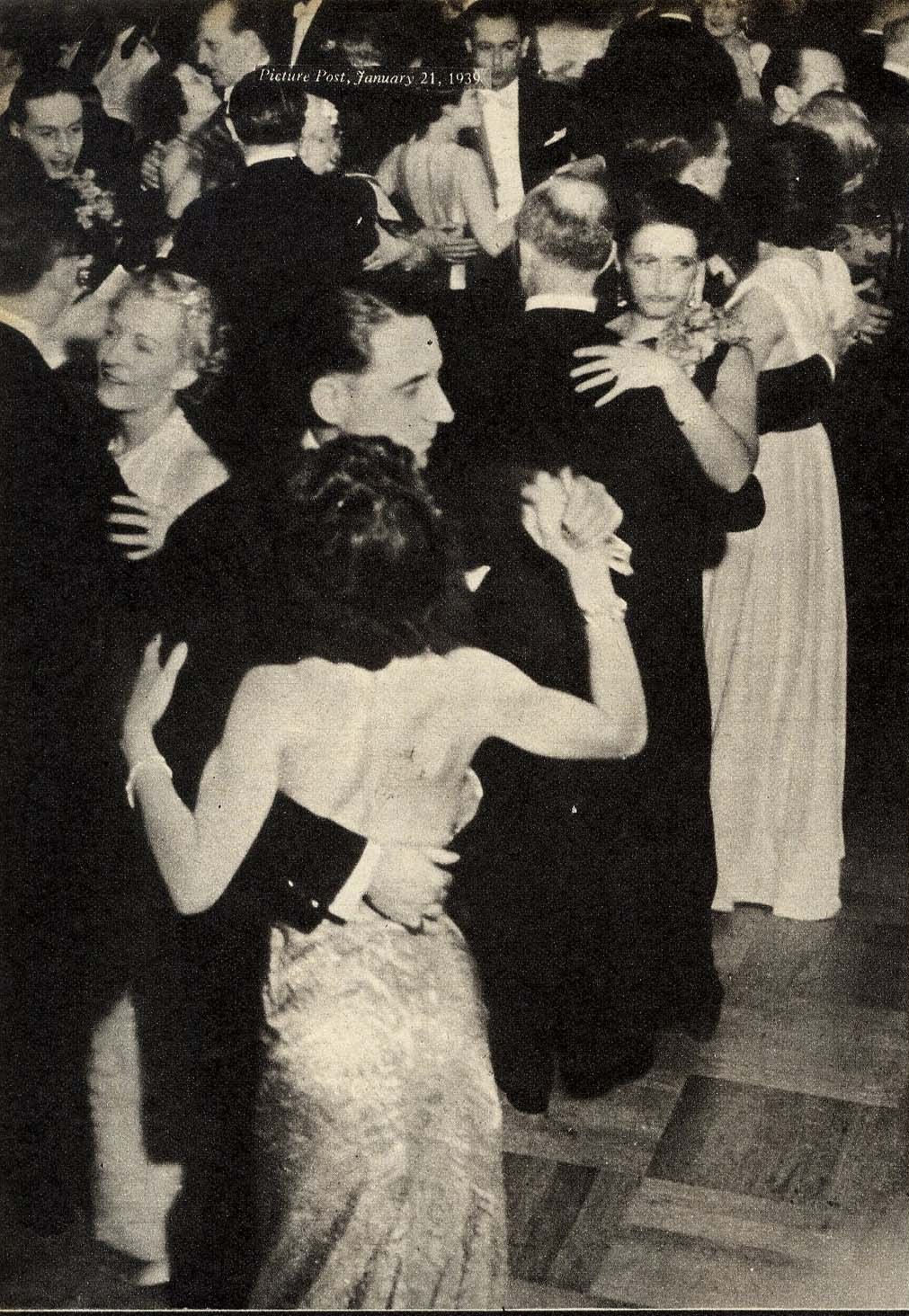 1938. Танцы в частном доме