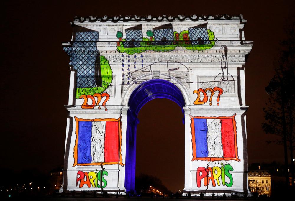 Новогоднее световое шоу в Париже