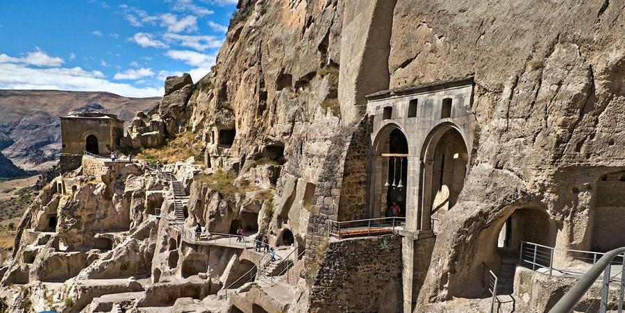Монастырский пещерный комплекс Вардзиа