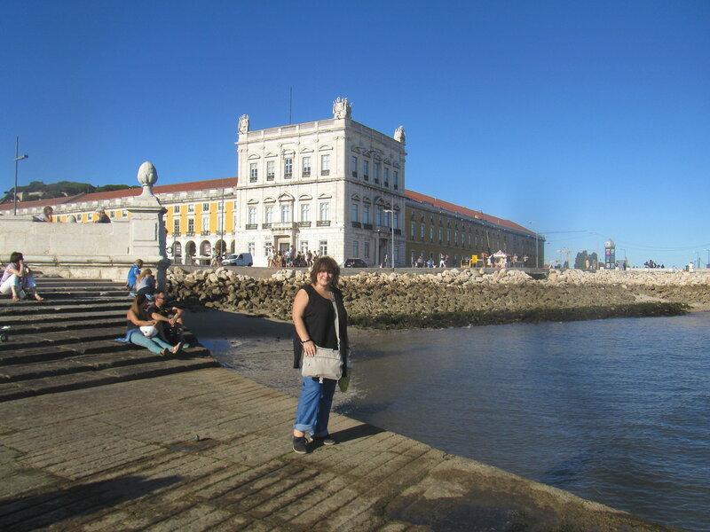 Португалия Лиссабон площадь Коммерсиу я отлив.JPG