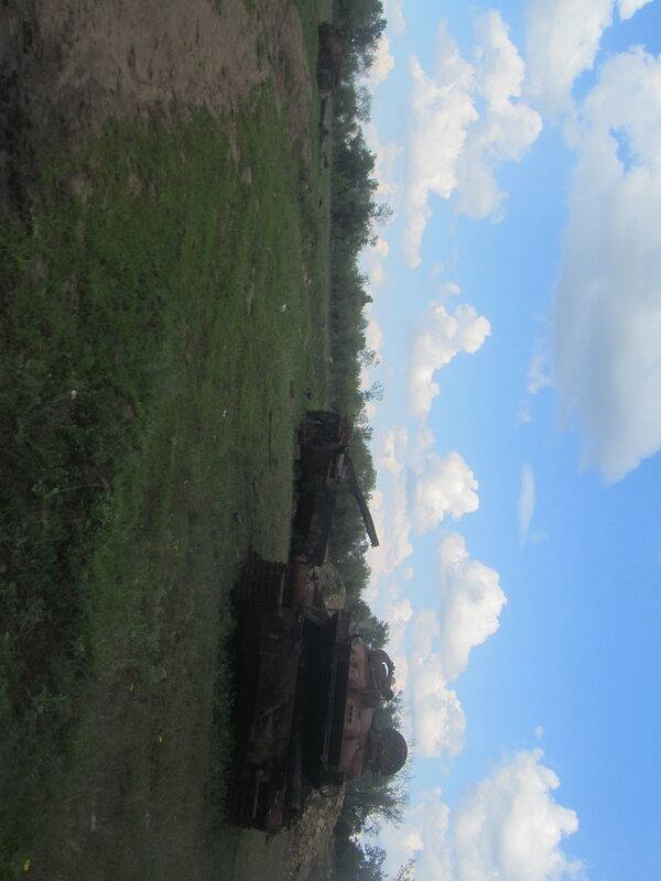 10.05.16 Дебальцево озеро Козлячье кладбище техники.jpg