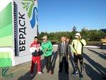 Олимпийский чемпион Михаил Алоян провел зарядку в Бердске на площади Горького