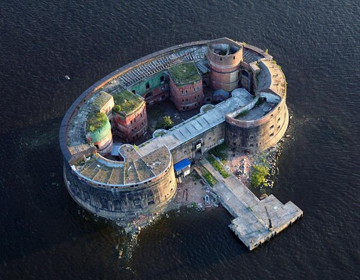 Форт «Император Александр I» («Чумный») в Кронштадте.