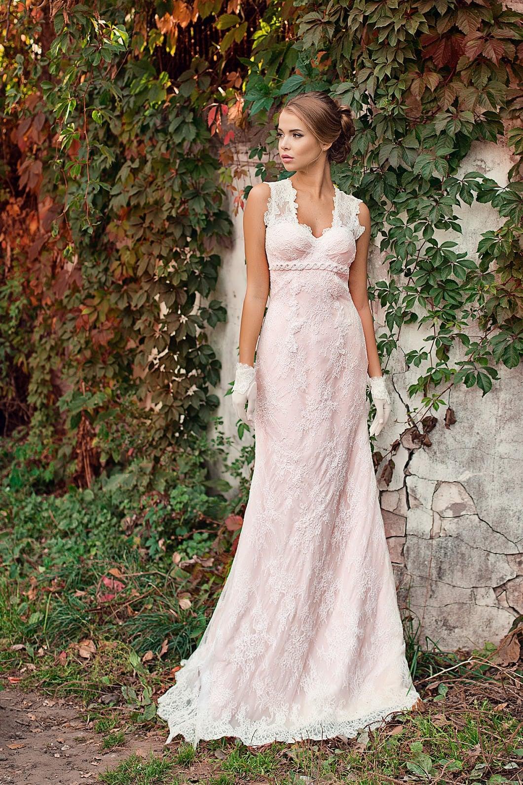 Блаш: актуальный цвет румянца в свадебных платьях (1 фото)