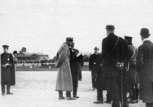Группа авиаторов на аэродроме (в центре в шинели -  великий князь Сергей Михайлович).