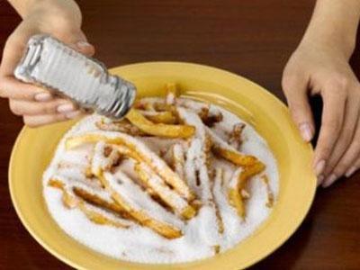 Ученые предупредили, что соленая пища может уничтожить людей сдиабетом