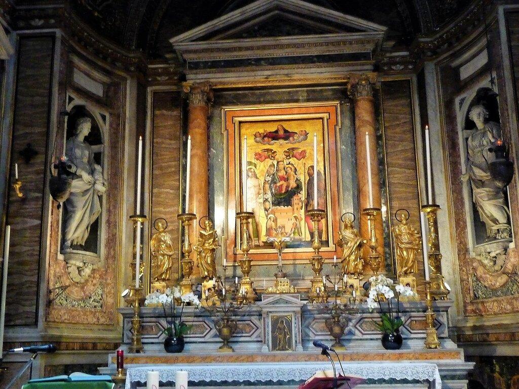 Chiesa di S. Maria di Loreto (11).JPG