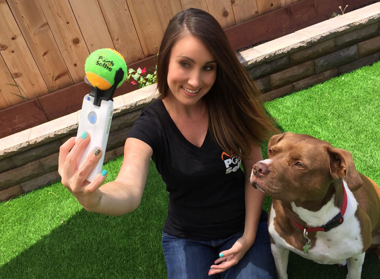 Pooch Selfie – A gadget specially designed for taking selfies with your dog (6 pics)