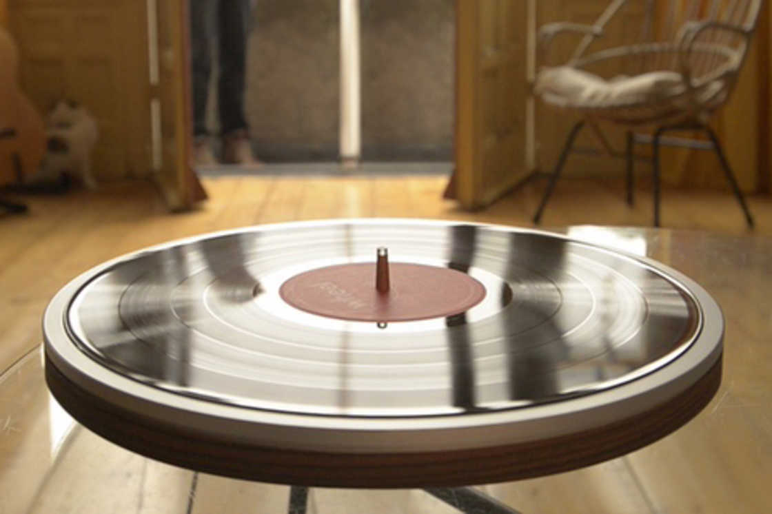 Wheel – The minimalist vinyl turntable (11 pics)