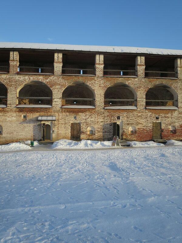 Кирилло-Белозерский монастырь. Стены нового города с внутренней стороны монастыря