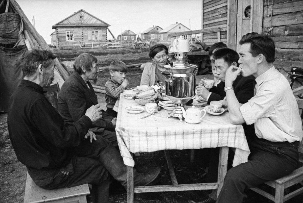 1960-е. Летчик в гостях у родственников