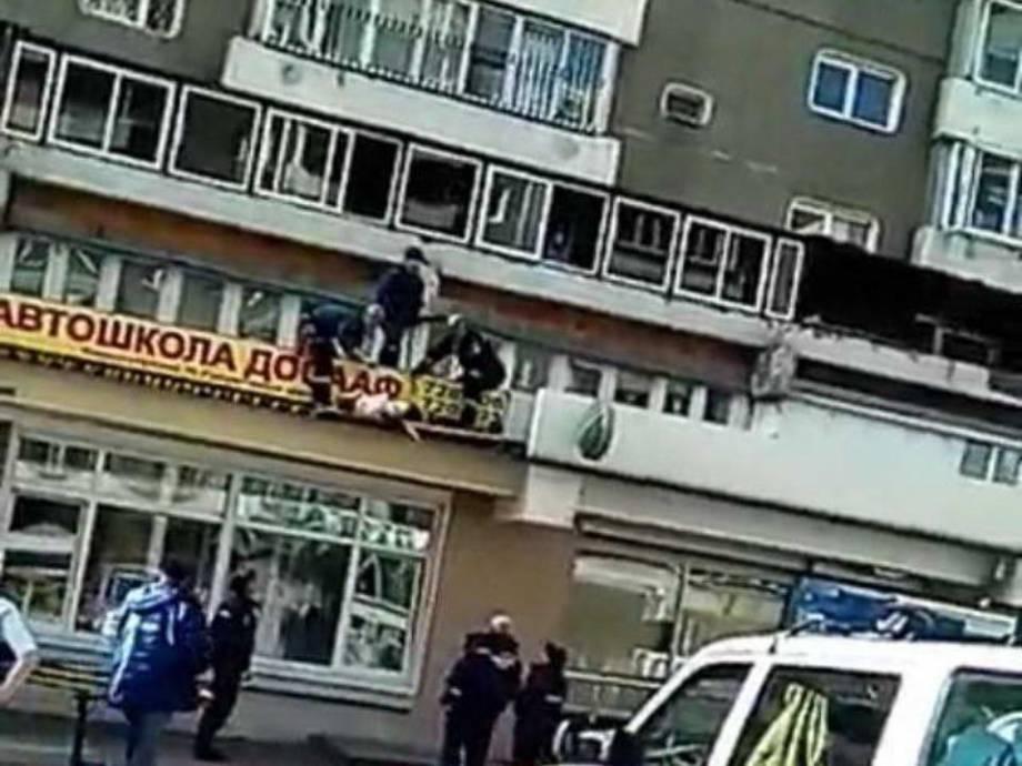 Из окна пятого этажа в Киеве выпал полуторагодовалый малыш, - Нацполиция