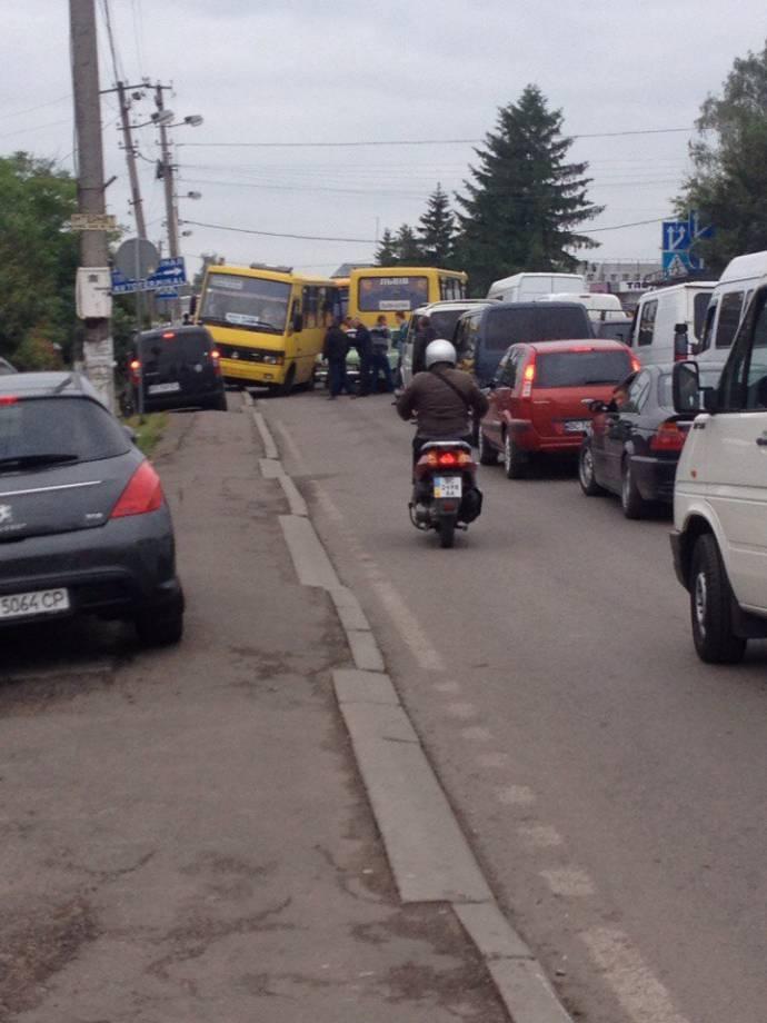 В очереди на польской границе стоит более 700 автомобилей