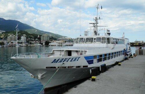 ВКрыму вторые сутки ищут рыбака сперевернувшейся уМисхора лодки