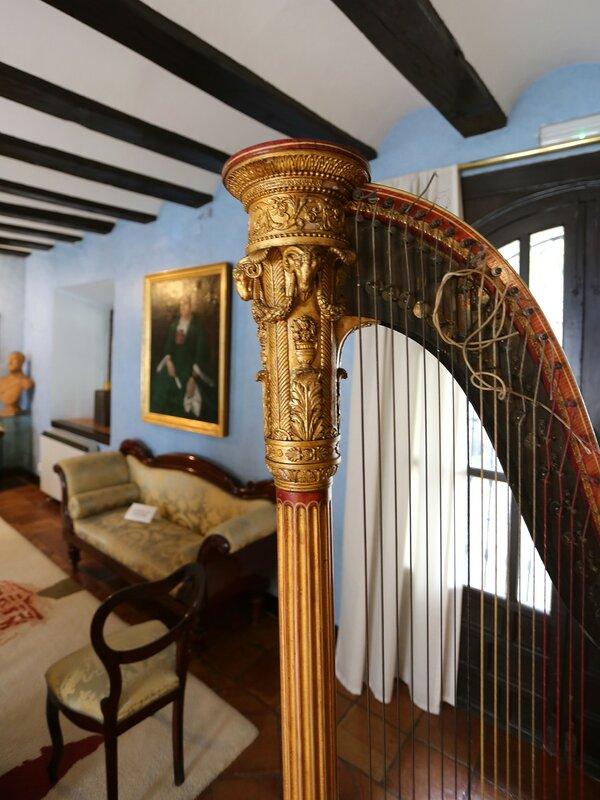 Гранада. Музей Каса-де-Лос-Тирос (Museo Casa de Los Tiros)