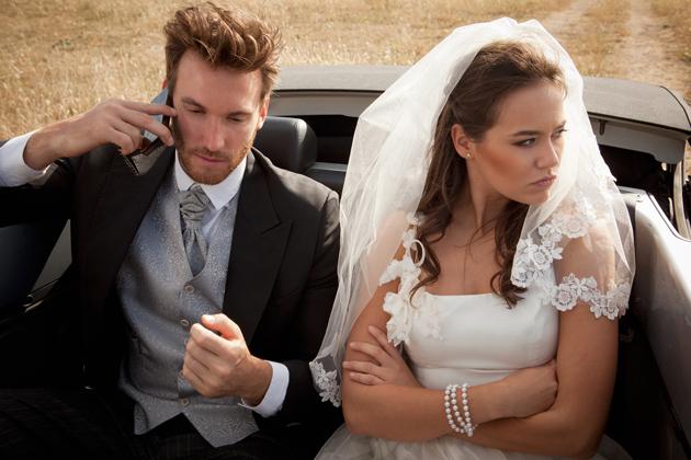 Ведущий на свадьбу: Позволено ли ведущему отклоняться от сценария