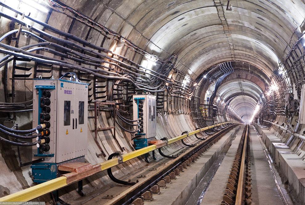 Кроме Каховской линии (пилотный проект), интернет в метро есть также на Кольцевой и Калиниской