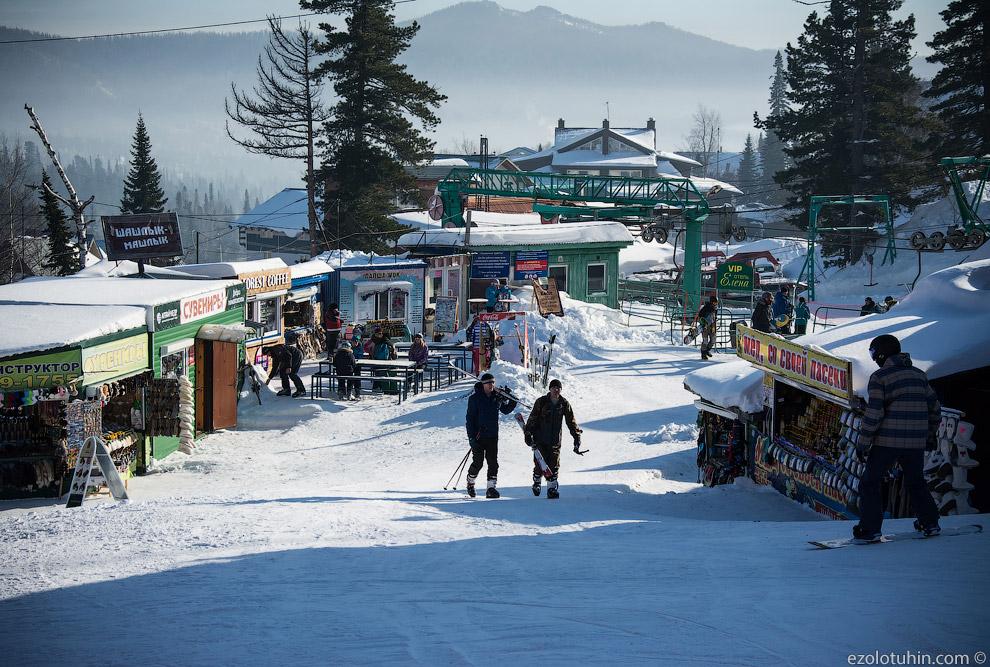 27. Продолжая тему барыг, посмотрим на снегоходчиков. Они катают людей за деньги по горам. Поня