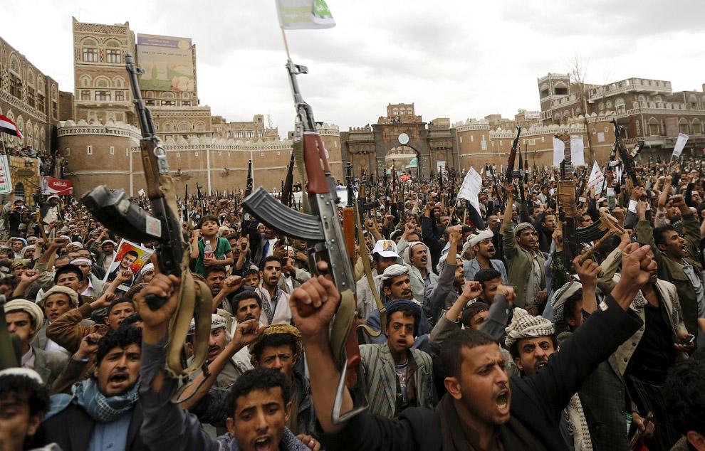 Несмотря на все эти опасности некоторые смелые путешественники приезжают в Йемен ради «пустынно