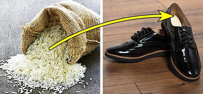 © depositphotos  После того как высняли лакированную обувь, положите внее мешочки срисом ил
