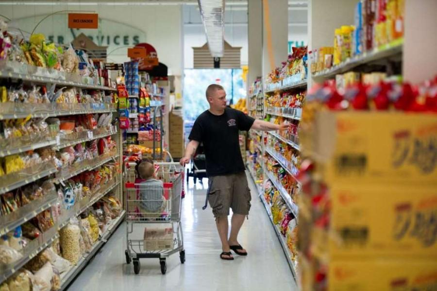 13. В магазин ходите со списком необходимых покупок и не выходите за рамки запланированного.
