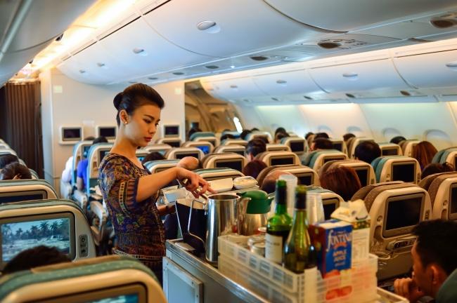 Большинство авиакомпаний готово предоставить навыбор своим пассажирам целый ряд блюд различного тип