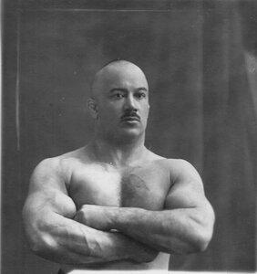 Борец, участник чемпионата Крылов (портрет).