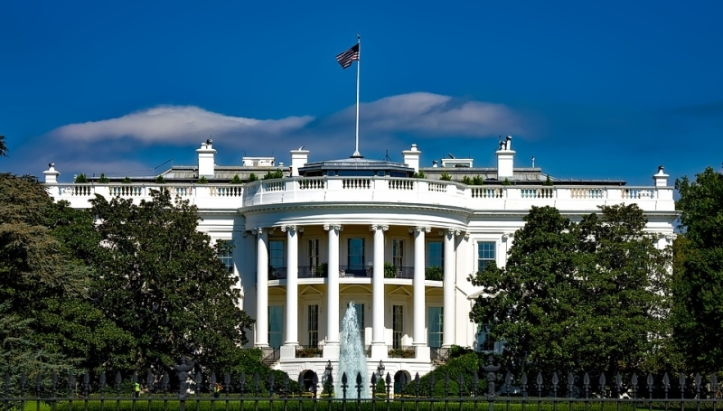 Трамп назначил директора покоммуникациям Белого дома