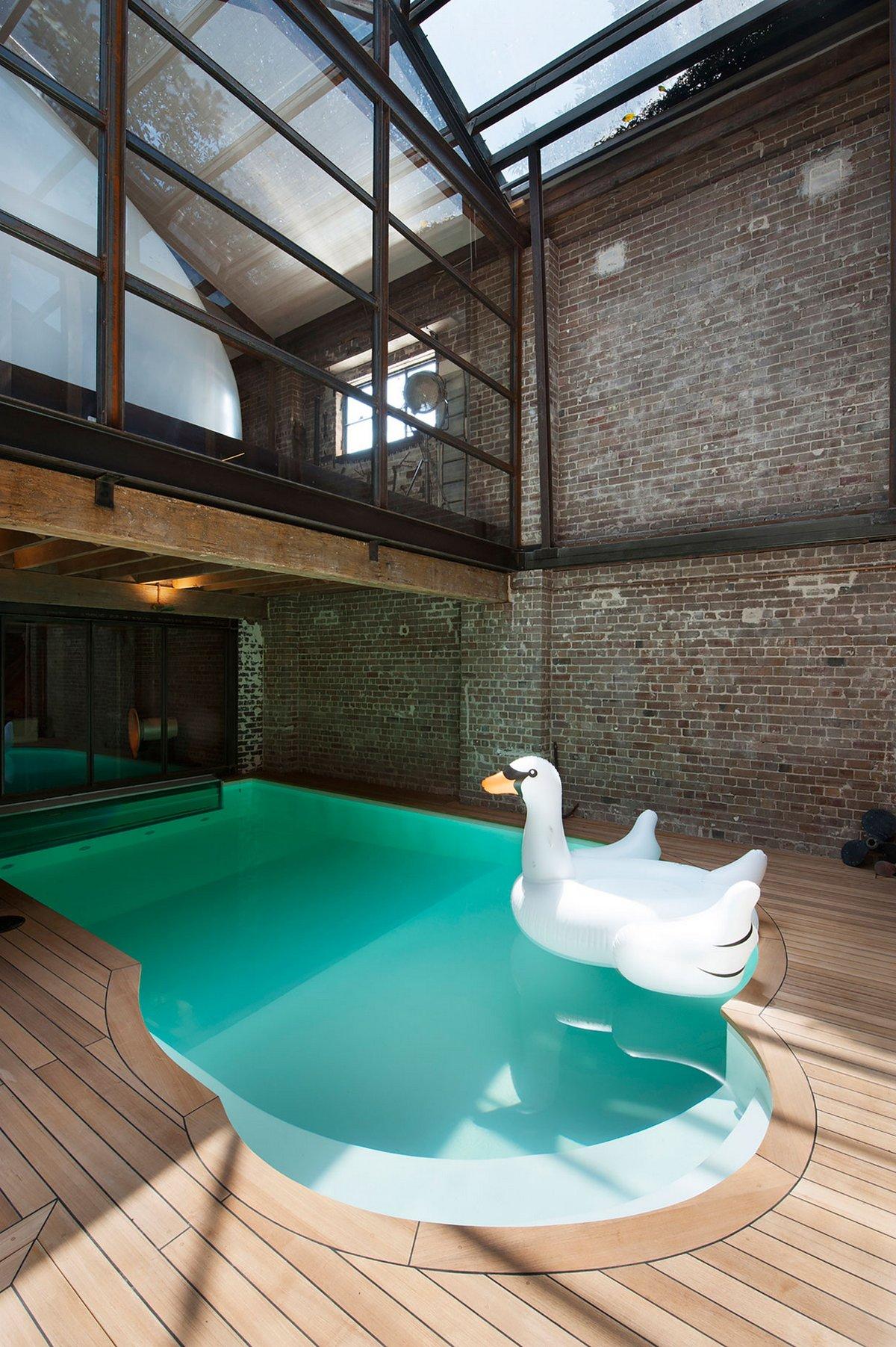 Маленький бассейн в частном доме