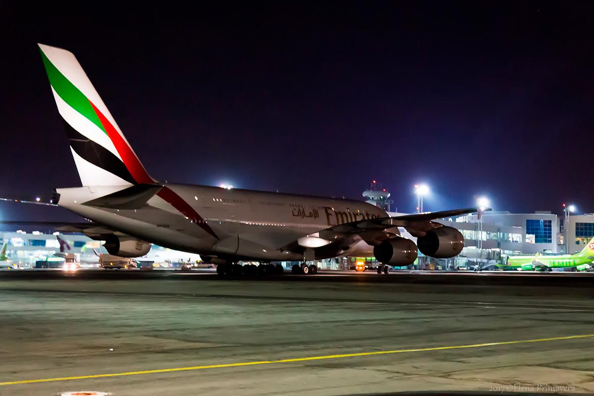 самолёт Airbus A-380 Emirates